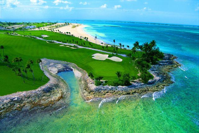 7th hole Ocean Club